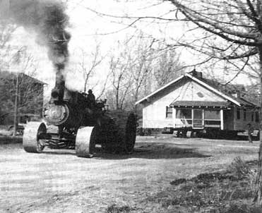 steam_tractor_and_house_small